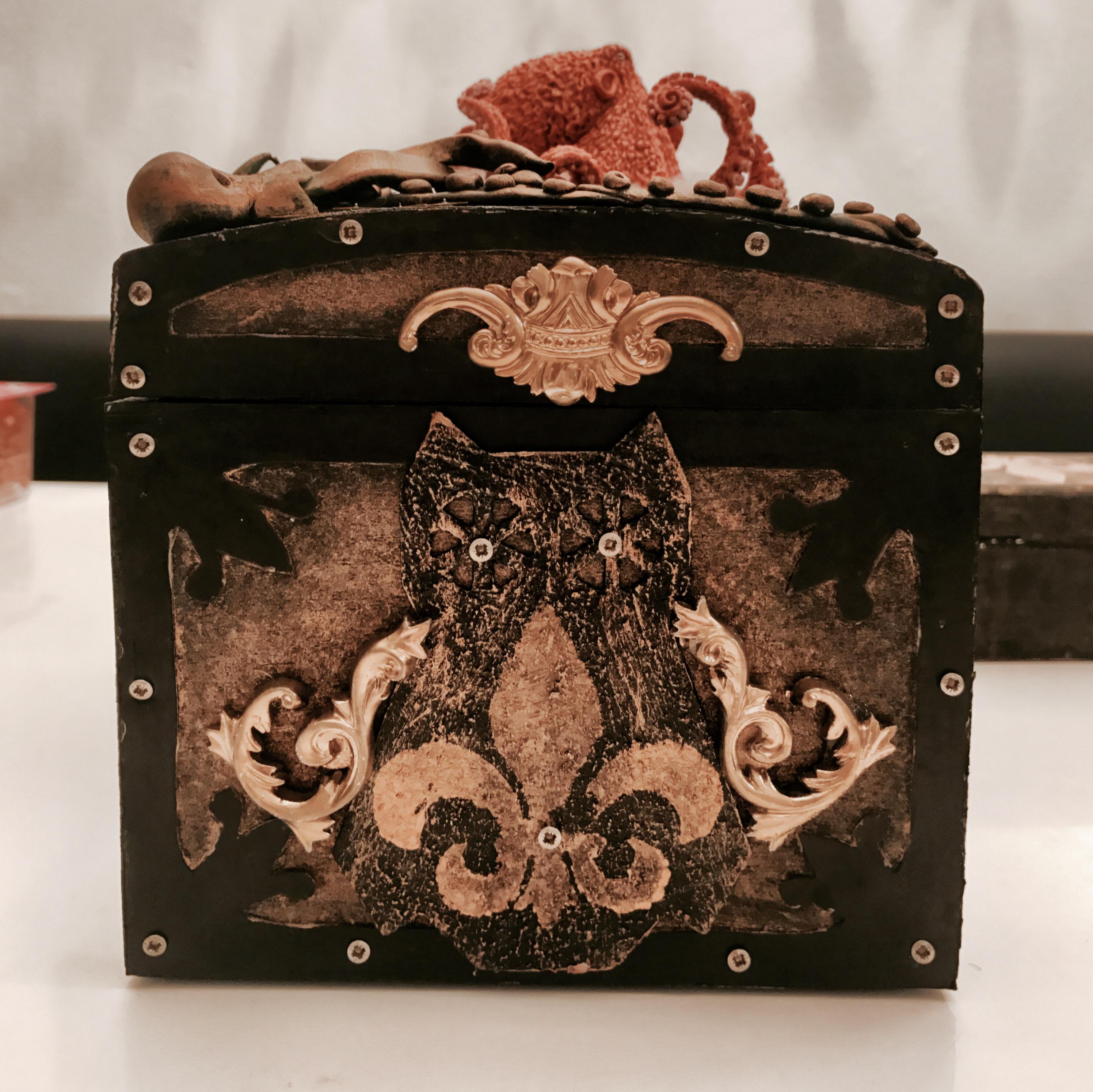 Alruna Lovelace Squidbox Right