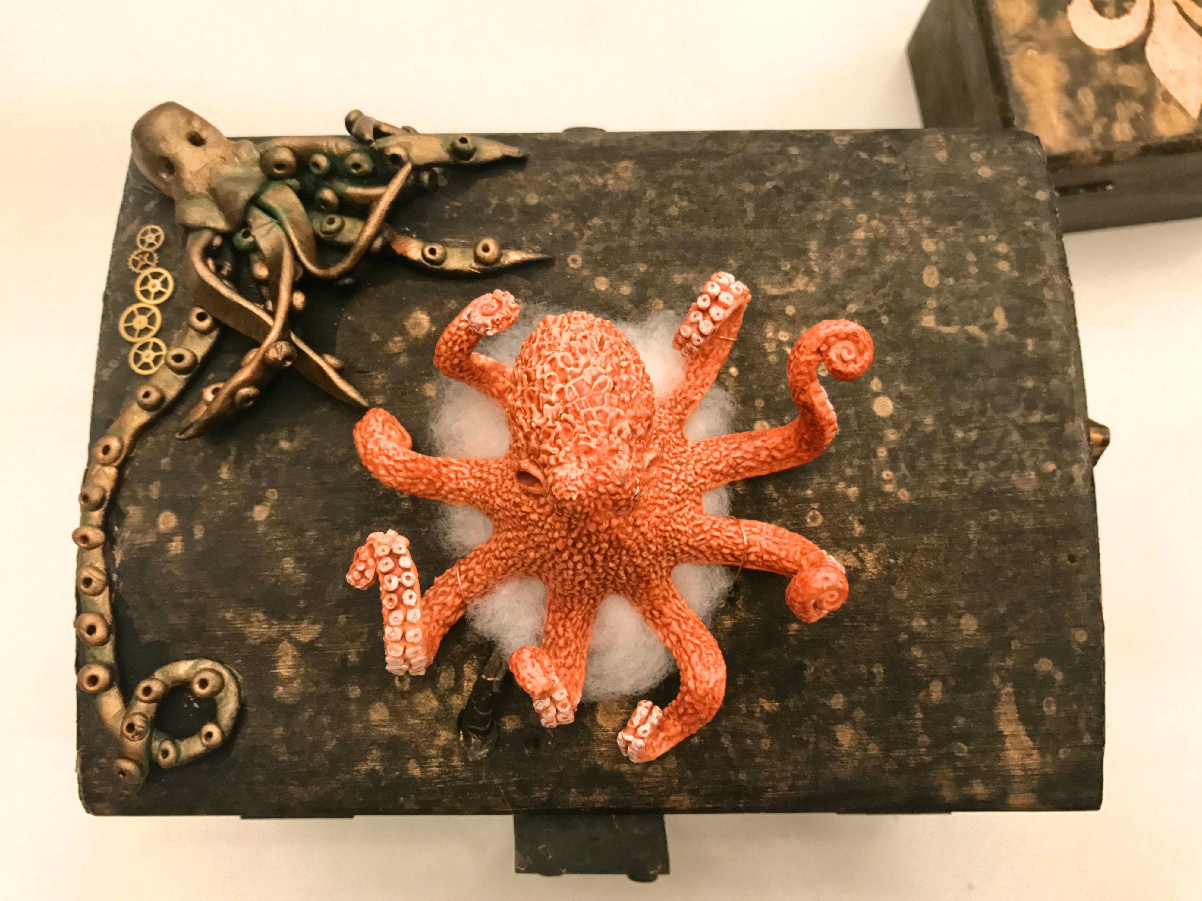 Alruna Lovelace Squidbox Top